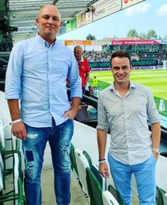 Muckenschnabel und Hötzeneder im Fußballstadion des SV Ried